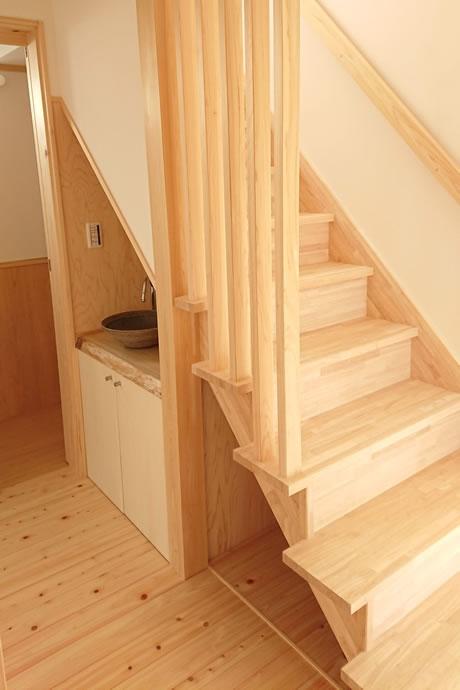 階段スペースをフル活用